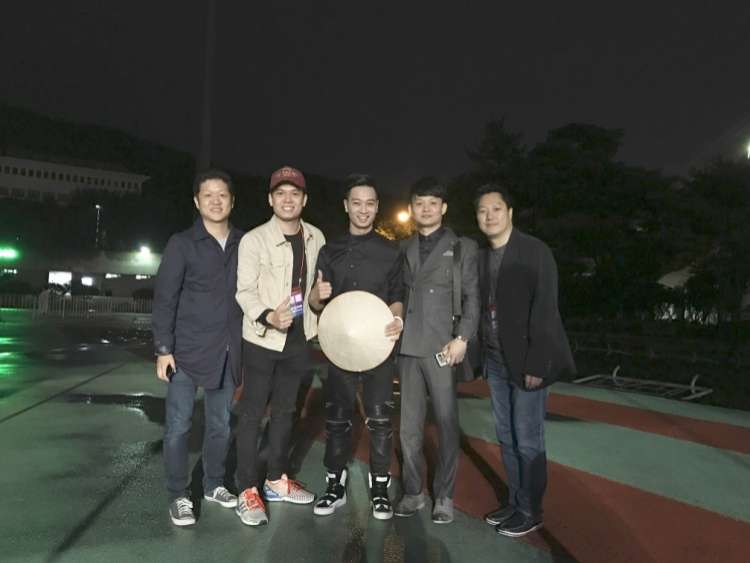 Anh là DJ Việt Nam đầu tiên xuất hiện tại đại nhạc hội này.