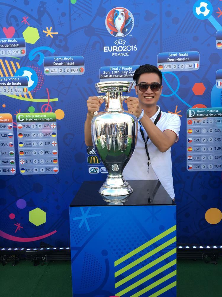 Slim V tại chung kết Euro.