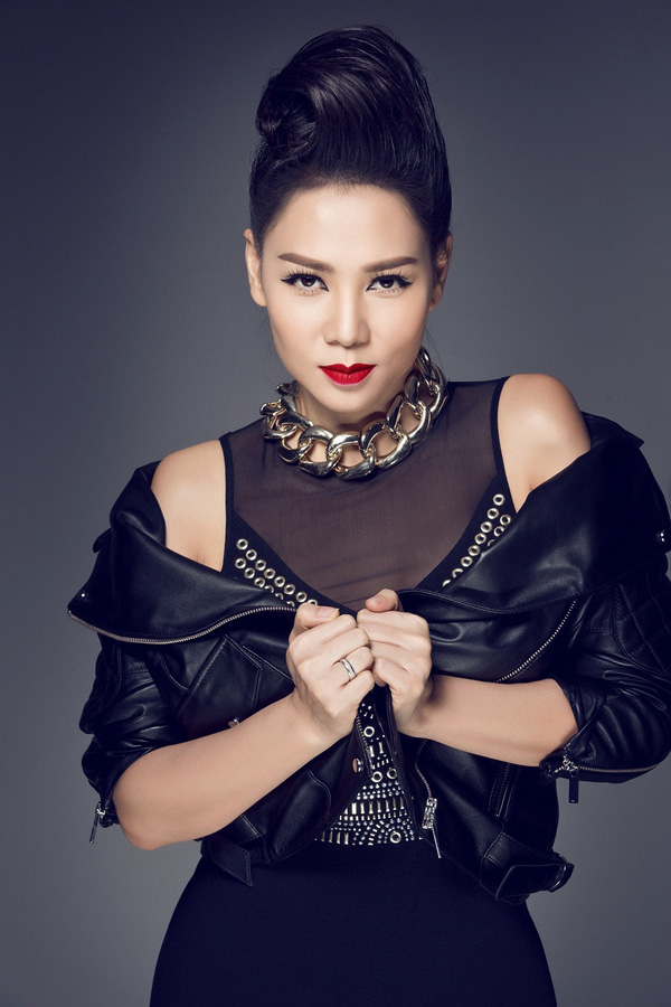 Ca sĩ Thu Minh sẽ là nhân tố quan trọng trong fashion show kỷ niệm 5 năm của NTK Quỳnh Paris.