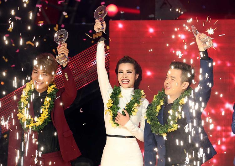 Đông Nhi chiến thắng The Remix 2015 nhờ những nỗ lực không ngừng nghỉ của mình.