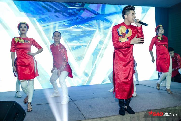 Với lợi thế ngoại hình sáng cùng biểu cảm đa dạng, không ít khán giả dự đoán Noo Phước Thịnh sẽ sớm đạt thành công trong lĩnh vực phim ảnh.