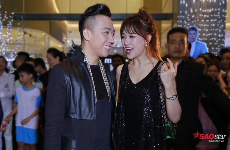 Ra mắt phim mới, Trấn Thành vẫn không quên chăm sóc Hari Won tận tình