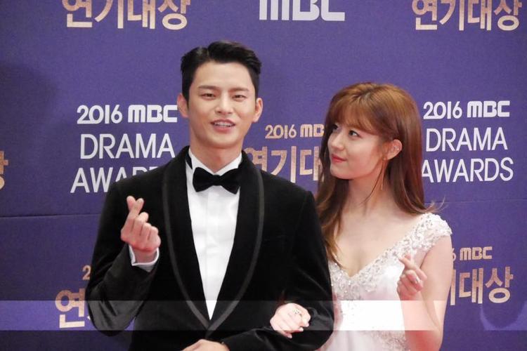 Seo In Guk - nam diễn viên chính trong Shopping King Louis cũng được đánh giá khá cao.