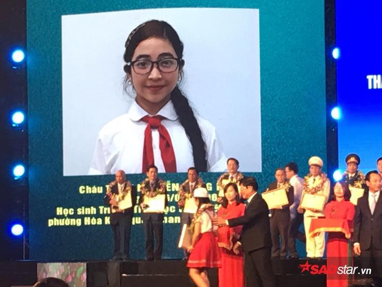 Bé là một trong những người trẻ tuổi nhất được đề cử vào Top 20 công dân tiêu biểu TP Đà Nẵng.