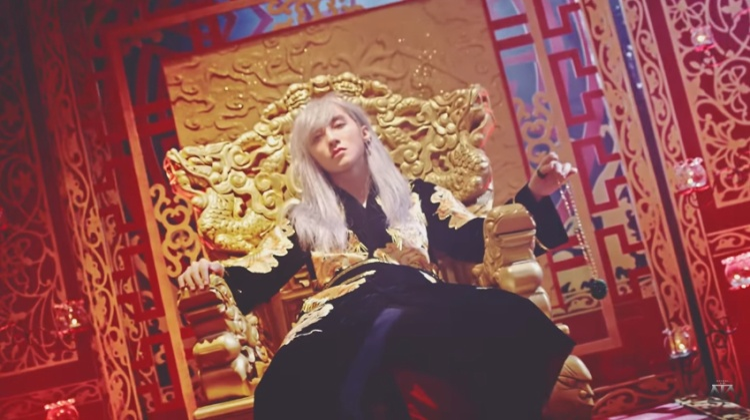 Hình ảnh Sơn Tùng trong MV mới.