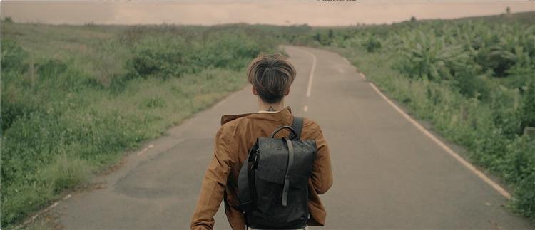 Soobin Hoàng Sơn một mình khám phá những vùng đất mới, con người mới.