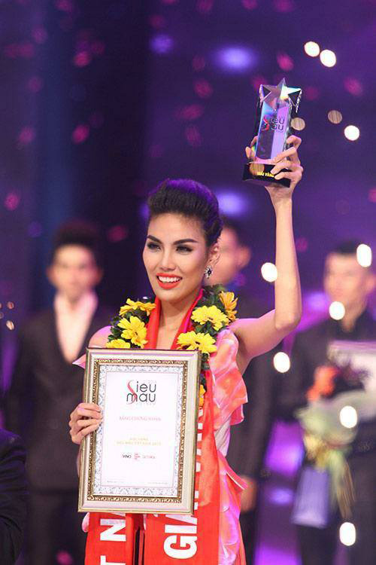 Và giải vàng Siêu mẫu Việt Nam 2013…