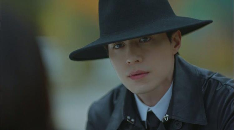 Quá tập trung vào Gong Yoo, người ta đã quên mất thần chết Lee Dong Wook rồi