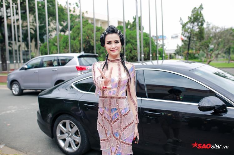 Đông Nhi được Ông Cao Thắng hộ tống ghi hình The Voice 2017 cùng Noo Phước Thịnh