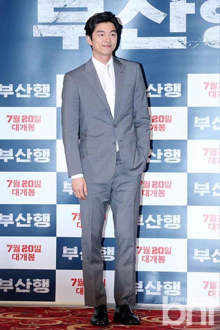 """Suit luôn là một trong những lựa chọn hàng đầu của """"soái ca"""" Gong Yoo."""