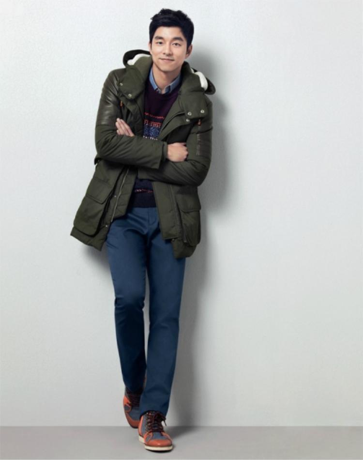 """""""Soái ca"""" Kim Shin quả không hổ danh là một fashionisto sành điệu."""