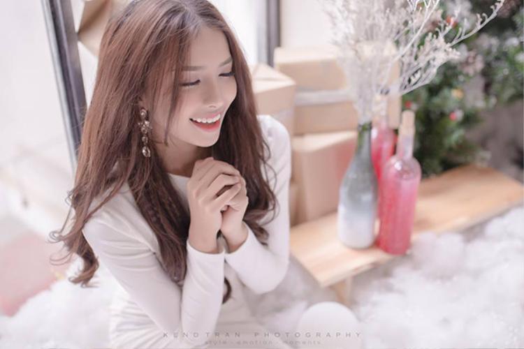 Khánh Vy có gương mặt vô cùng xinh đẹp… cùng thân hình quyến rũ chẳng thua kém hot girl nào.