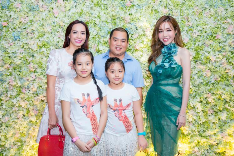 Gia đình Minh Khang - Thúy Hạnh.