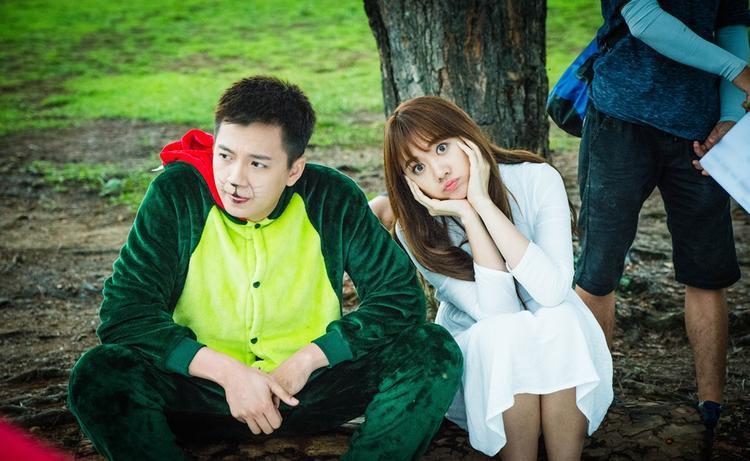 Rùng mình với cảnh Hari Won bị tai nạn, văng khỏi cửa kính ôtô trong 49 ngày 2