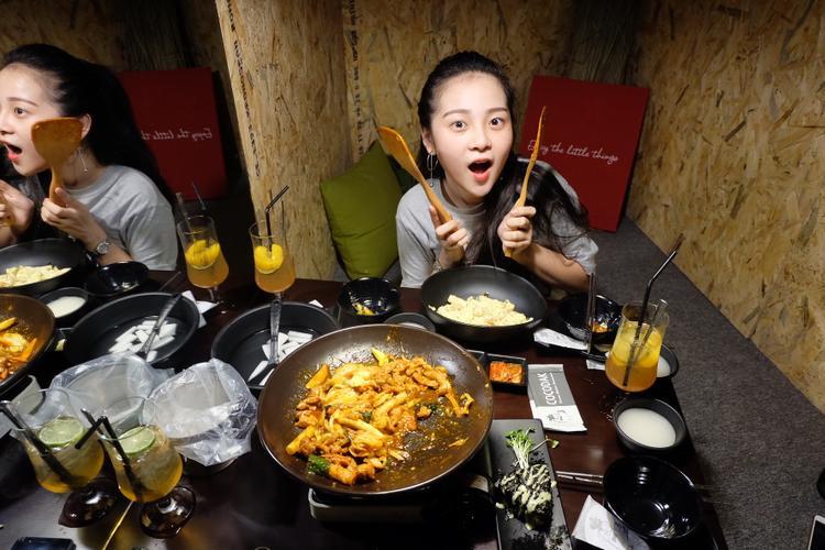 Tam Triều Dâng.