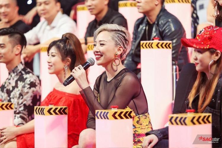 Tóc Tiên xuất hiện trong đêm mở màn Remix New Generation 2017