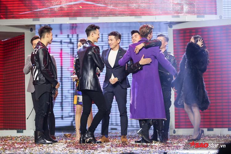 """""""Với những gì bạn ấy thể hiện trên sân khấu, Hải hoàn toàn tin tưởng rằng bạn ấy sẽ đi đến Liveshow"""", Lâm Vinh Hải chia sẻ."""