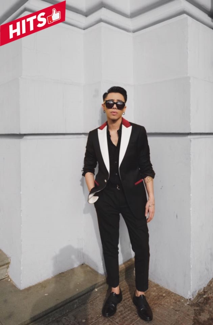 Từ khi theo đuổi hình ảnh của một quý ông sang trọng, Hoàng Ku dường như chăm diện vest hơn dù thời trang đường phố hay những lần xuất hiện trước mắt người hâm mộ. Đúng như công việc của một stylist, anh đang tự mix&match các item anh diện một cách chuẩn chỉnh nhất.
