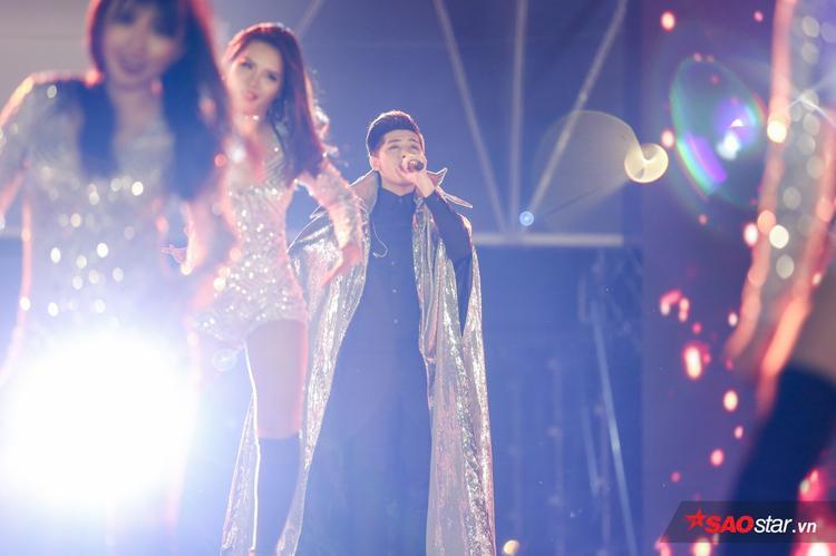 Noo Phước Thịnh lần đầu mang ca khúc mới toanh Xuân, Hạ, Thu, Đông lên sân khấu.
