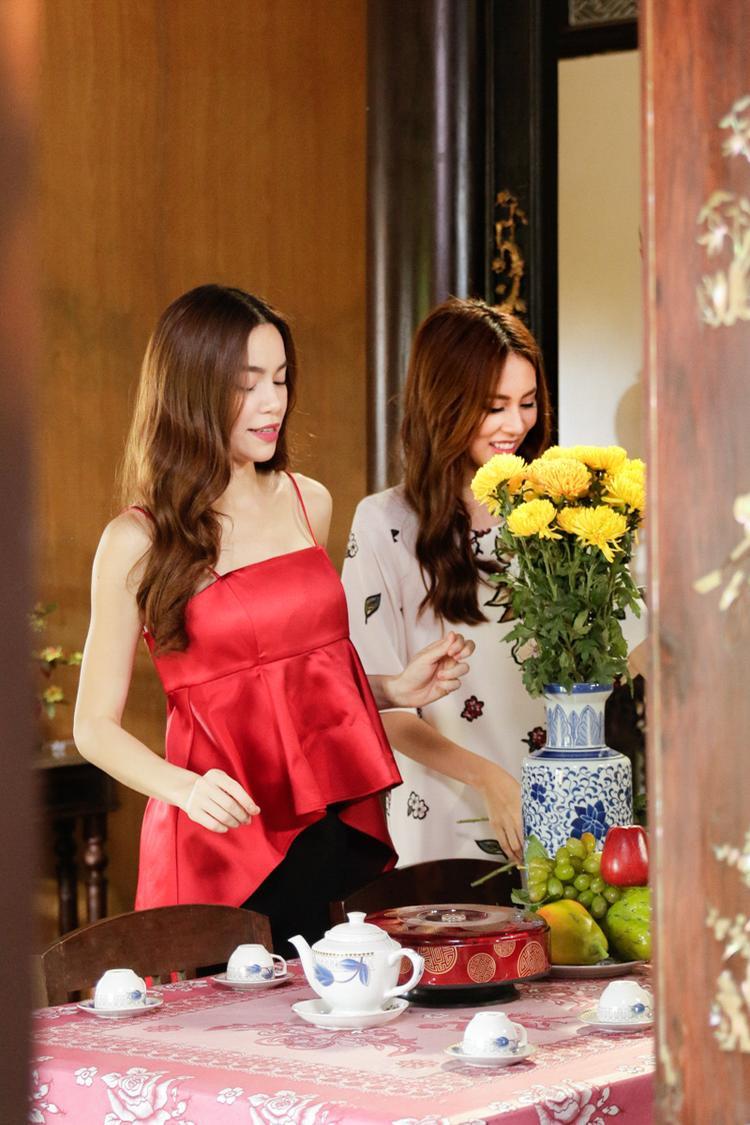 Phí Phương Anh vào vai cô em gái xinh xắn bên cạnh người chị Hồ Ngọc Hà và anh trai Noo Phước Thịnh.