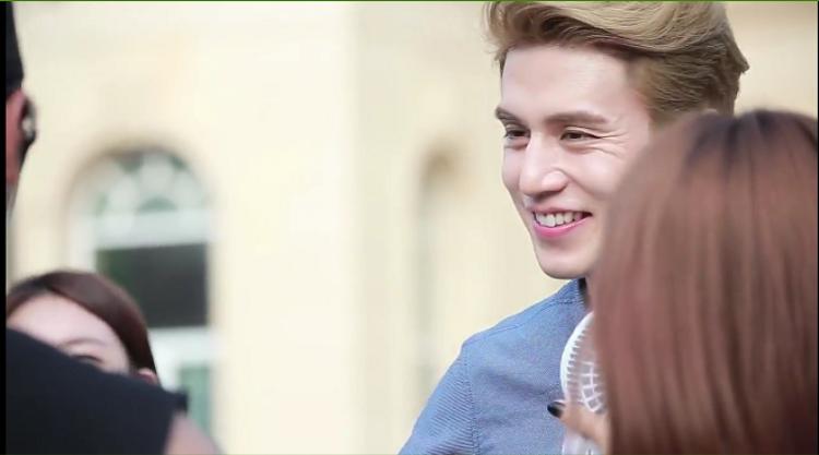"""""""Vì nụ cười ấy cho ai nhớ mong từng ngày…"""""""