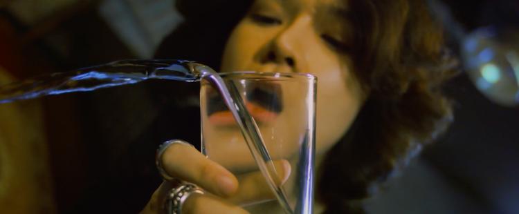 Tiên Tiên lột xác trong MV cân não: vừa ảo, vừa khó hiểu
