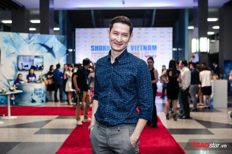 Diễn viên Huy Khánh lịch lãm.