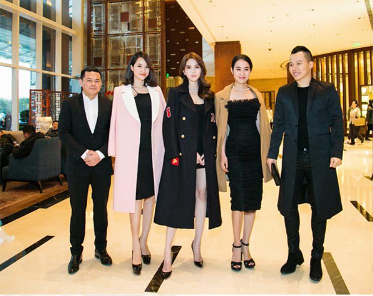 Ngọc Trinh đọ sắc bên người mẫu Đào Lan Phương - con dâu ông Hoàng Kiều, Á hậu Áo dài Minh Phương.