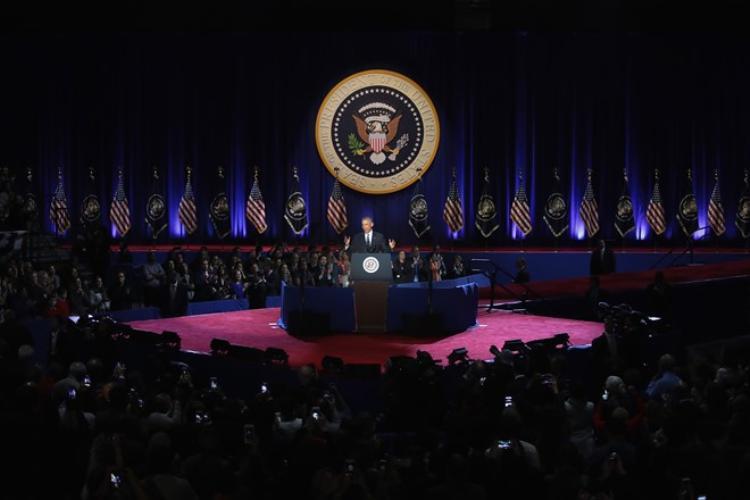 Cả hội trường đi từ xúc động đến vô cùng thán phục trước những lời phát biểu của ông Obama.