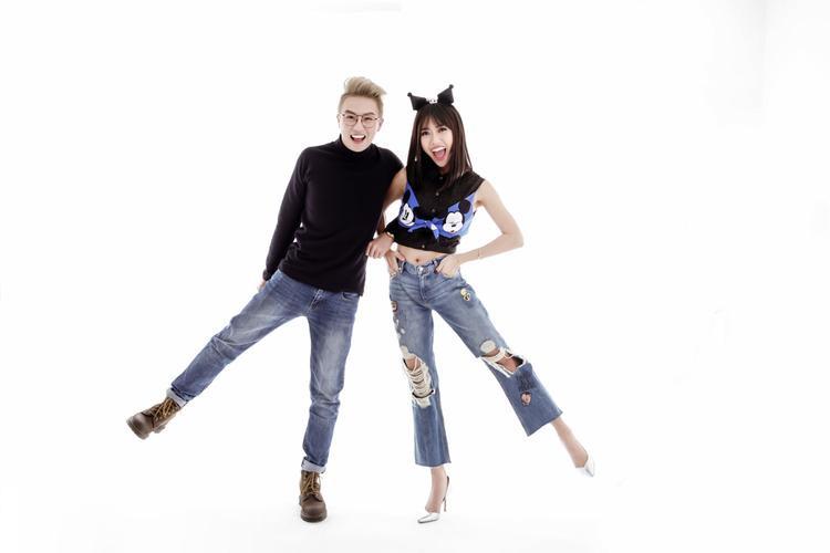 Diệu Nhi  Duy Khánh tạo nét tinh nghịch với jean