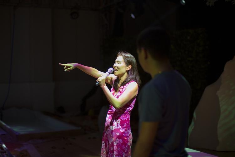 Ca sĩ Thu Minh mải miết tập luyện cho chương trình trước giờ G.