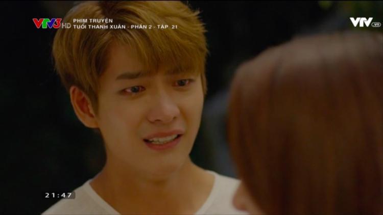 Trong hơi men, Junsu bày tỏ rằng anh nhớ Linh đến phát điên.