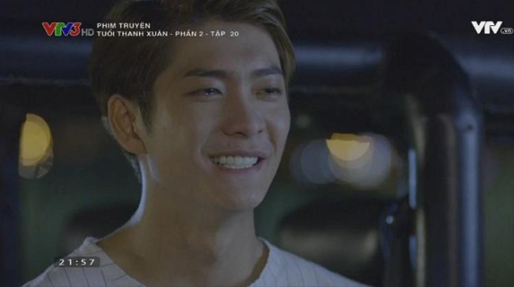 Anh chàng hết cười rồi lại khóc khi nhớ lại những kỷ niệm của mình và Linh ở Hàn Quốc.
