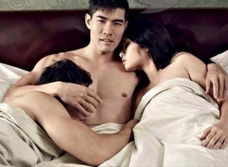 Đàn ông ngoại tình với phụ nữ đã đáng trách, ngoại tình với đàn ông khi đã có vợ còn đáng trách hơn gấp bội.