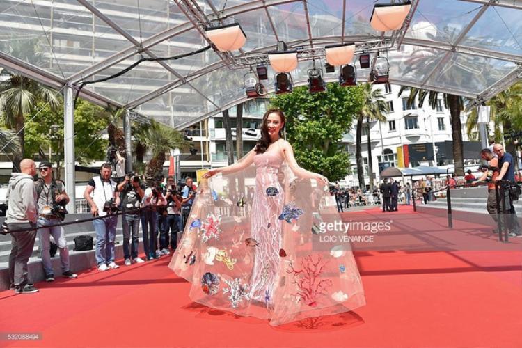 Angela Phương Trinh: Khi xinh đẹp chưa bao giờ là đủ!