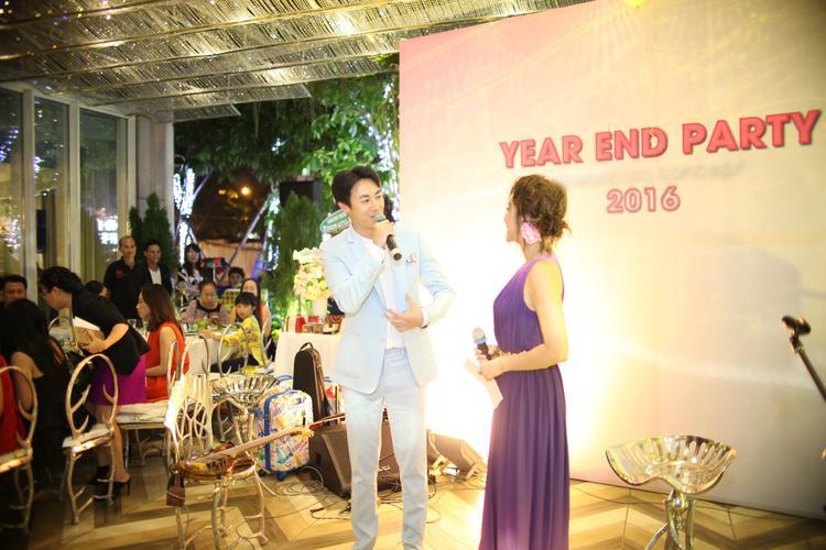 Tham gia chương trình Rocker Nguyễn hân hạnh được song ca cùng đàn chị Kỳ Duyên.