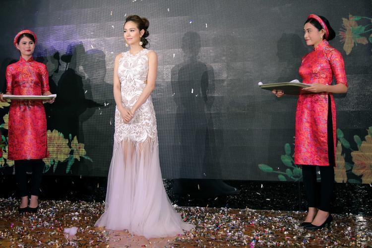 Chỉ cần đóng 1 phim, giải Nữ diễn viên xuất sắc liền gọi tên Minh Hằng!