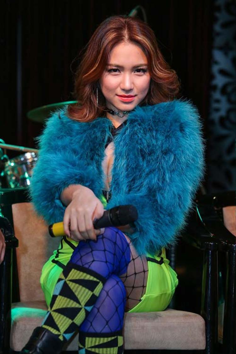 Những sự chỉ trích xoay quanh ngoại hình của Hoà Minzy đã khiến cô vô cùng tổn thương.