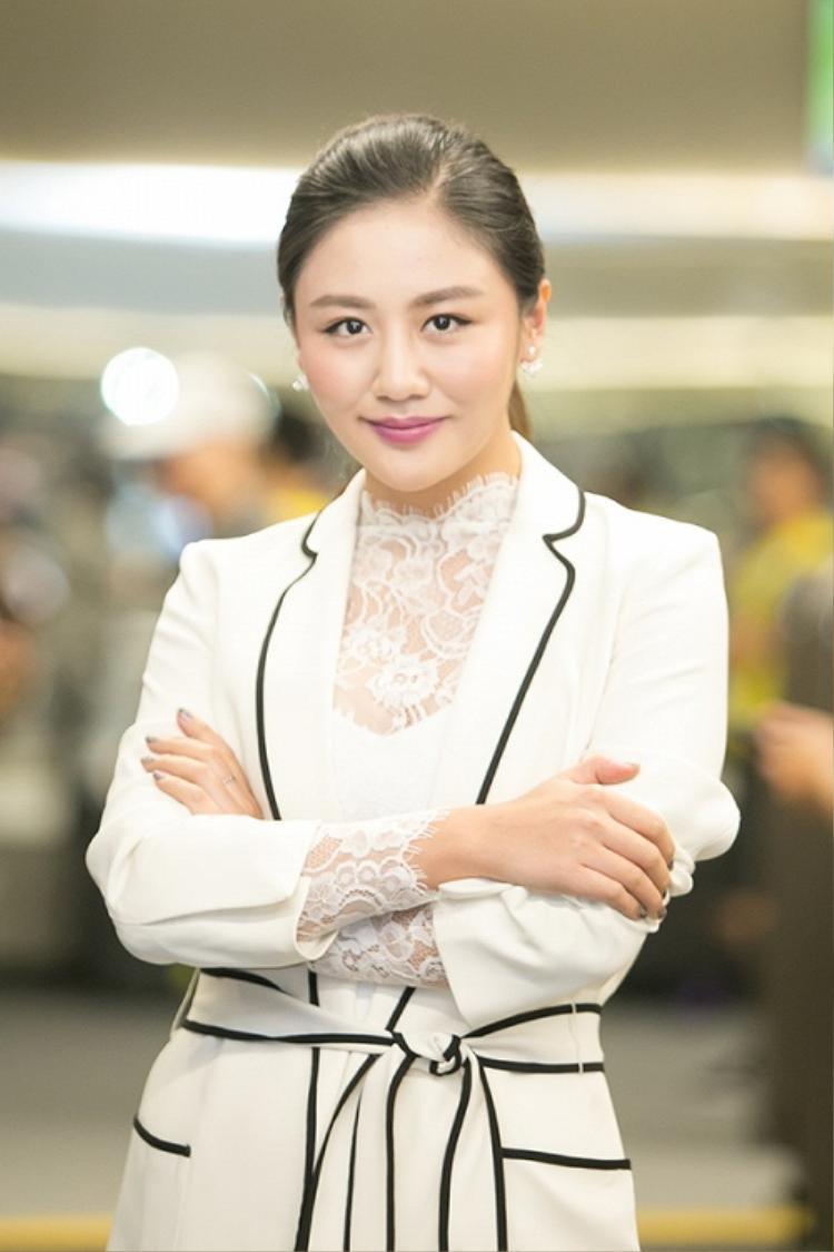 Những người đẹp không đáng bị chê xấu của showbiz Việt