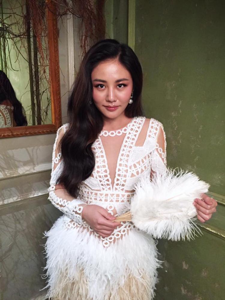 Văn Mai Hương ngày càng quyến rũ và xinh đẹp.