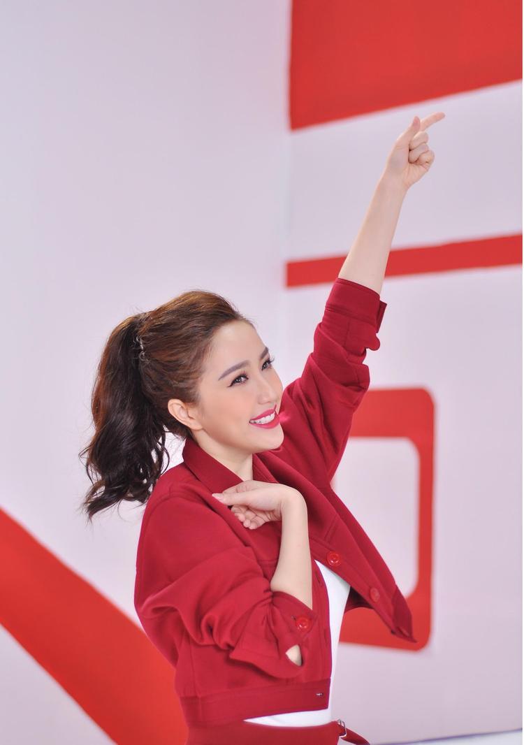 Tung MV Tết truyền cảm hứng, có ai muốn bay cùng Bảo Thy và Only C không?