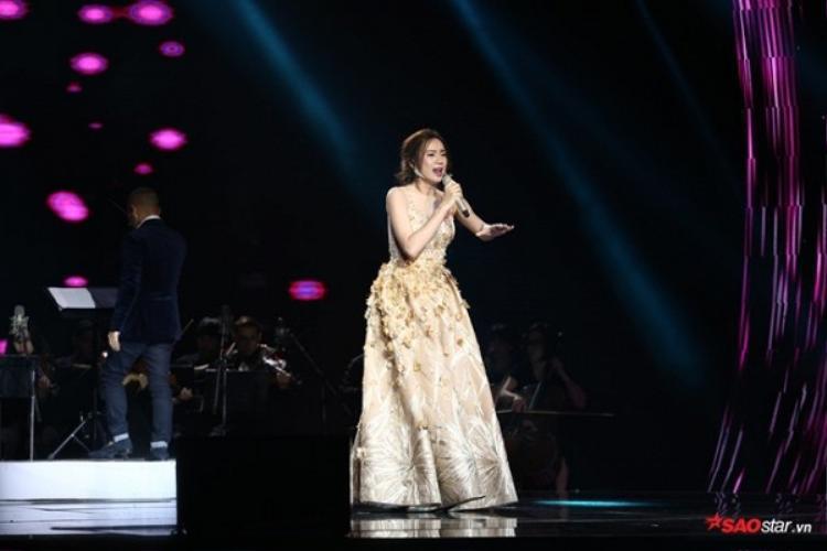 Điểm lại những trang phục ấn tượng của dàn thí sinh tại đêm chung kết Sing my song