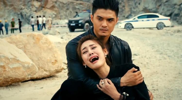 Linh Chi và Lâm Vinh Hải trong một cảnh quay Găng tay đỏ.