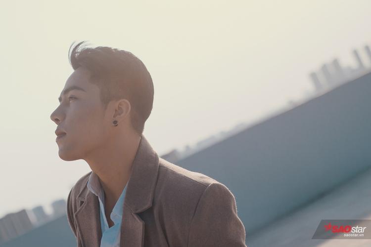 Dừng chân The Voice, hot boy team Noo Phước Thịnh lập tức ra mắt ca khúc gây sốt vòng Giấu mặt