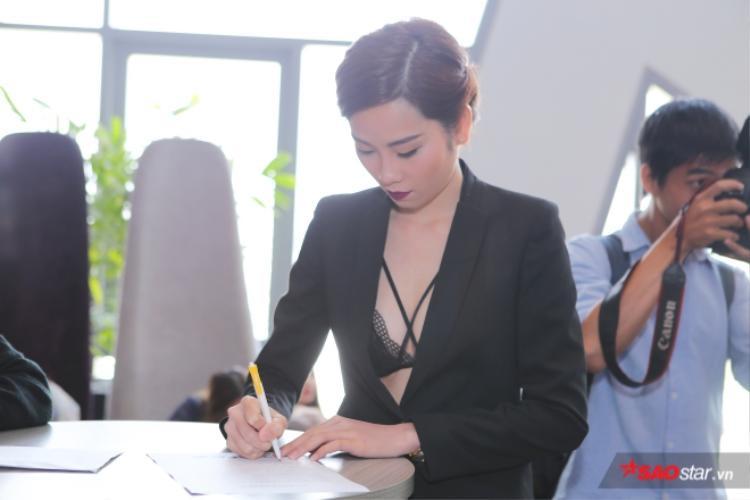 Như đã đưa tin trước đó, Lệ Nam quyết định tham gia The Face để tìm kiếm cơ hội trở thành người mẫu chuyên nghiệp.