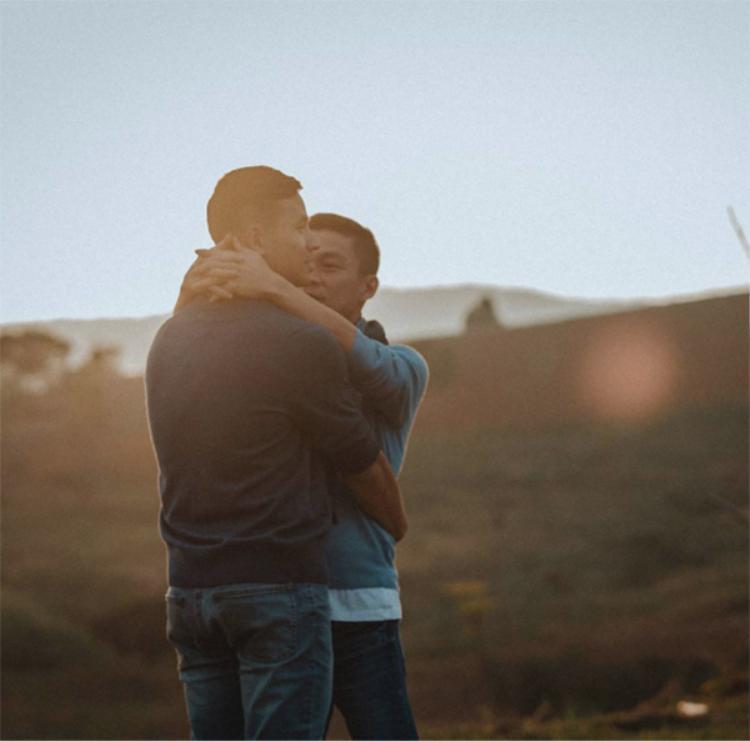 Hay trao nhau nụ hôn ngọt ngào…