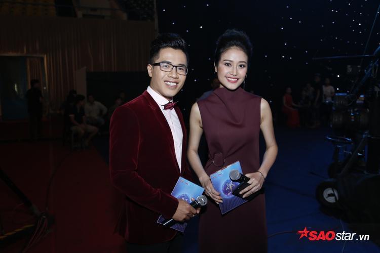 MC Phí Linh và Quốc Bình.