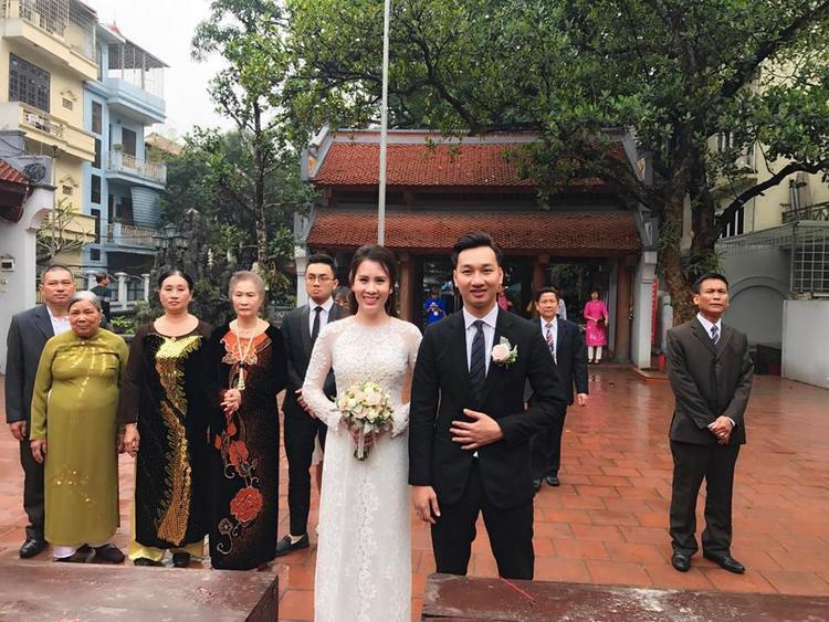 Ngày 13/3, Thành Trung - Ngọc Hương đã làm lễ cưới hằng thuận tại một ngôi chùa ở Hà Nội.