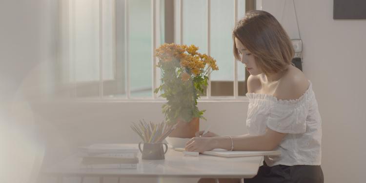 Cặp đôi Thái Trinh Quang Đăng lần đầu thể hiện tình cảm trong MV ngọt ngào