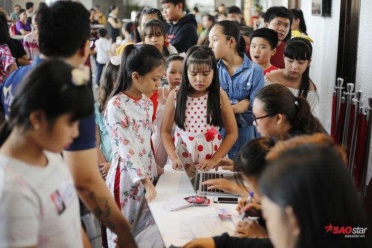 Tuyển sinh Giọng hát Việt nhí 2017: Đoàn Thế Lân mở màn với hit khủng tại Sing My Song cùng Nhã Thy